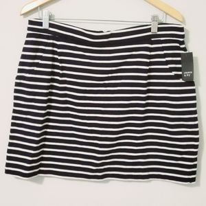 NWT Crown & Ivy Pocket Skirt Stripes Blue Sz Large
